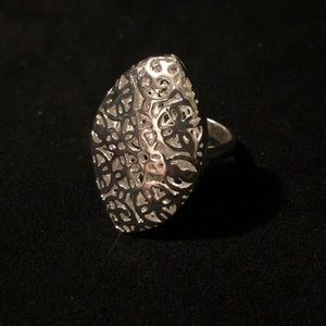 Jewelry - Classy Silver Ring